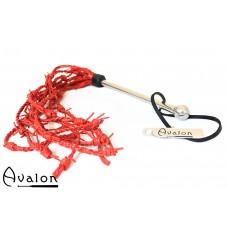 Avalon - DRUID - Piggtråd-flogger i rødt lær